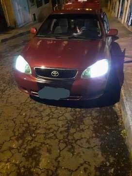 Vendo lindo Toyota Corolla en buen estado mecánico al día cero multas