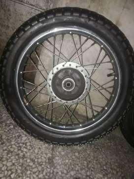 Par de ruedas semi nuevas completas lista a usar $1.500