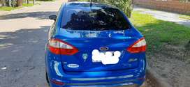 Se vende ford fiesta kinetic con 70000 km