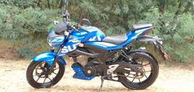 IMPECABLE MOTO SUZUKI GSX 150 CON 6.000KM UNICO DUEÑO $4.200USD NEGOCIABLES