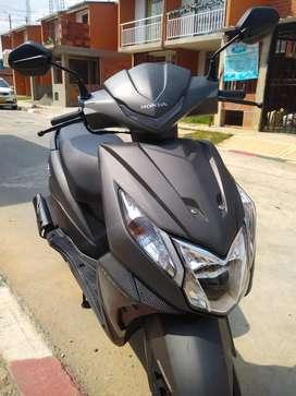 Excelente moto  poco uso