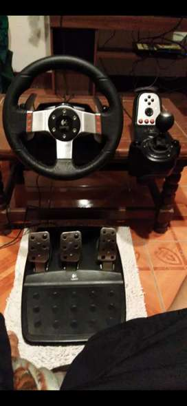 Volante LOGITECH G27 + Palanca y pedales