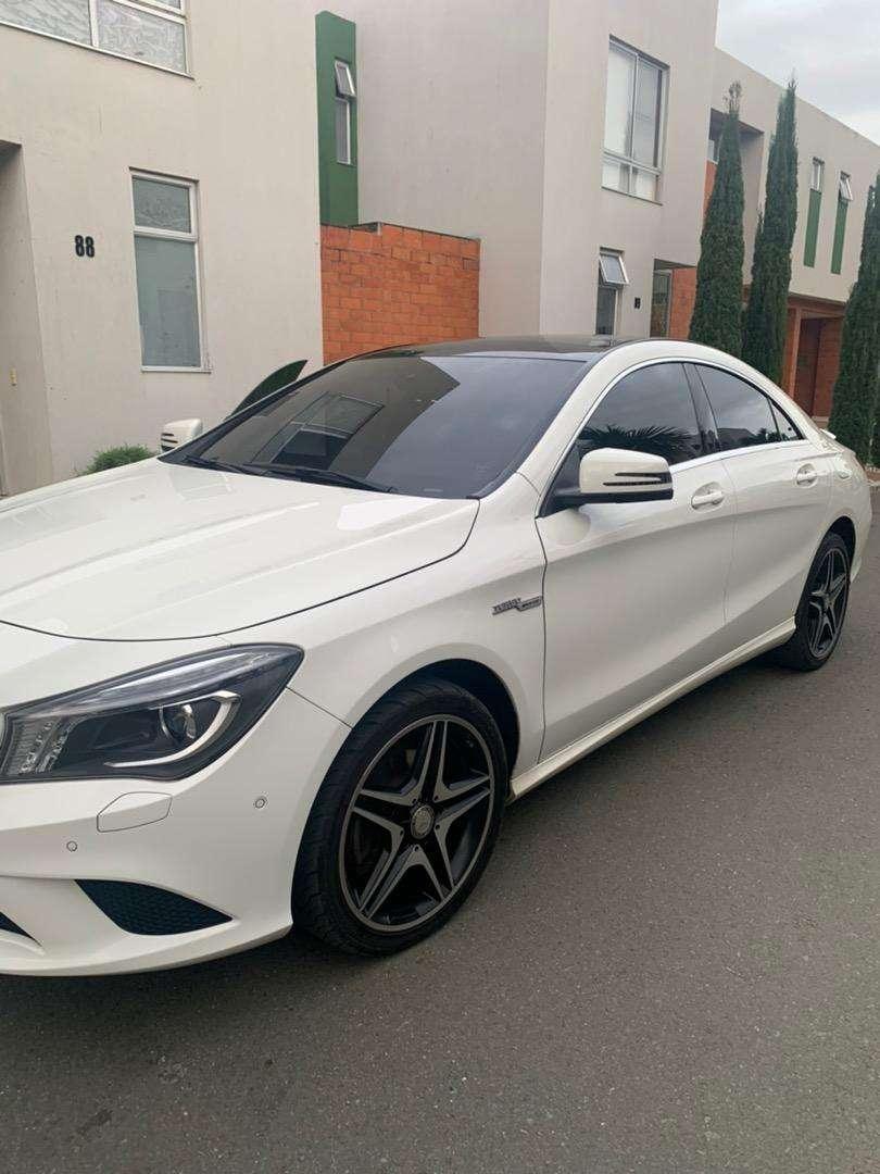 Mercedes benz muy lindo Cla 180