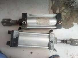 Vendo cilindro neumatico industrial  y  de calidad