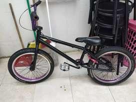 Vendo bicicleta bmx