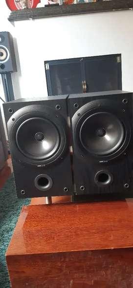 Parlantes Kef Q10,monitores ,Yamaha, polk, Jbl,B&W,Jamo, focal,infinity, Onkio, Marantz, sansui, Macintosh, klipsch