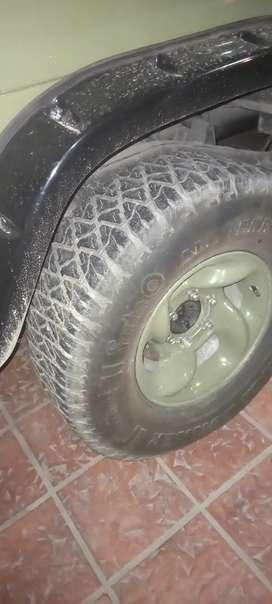 4 neumáticos 31x10.5x15  Facebook range Runner usados