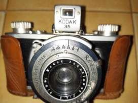 Antigua cámara CODAK 35 para entendido
