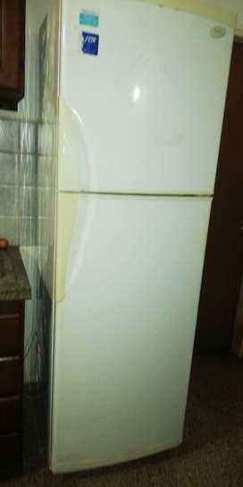 Vendo heladera por mudanza gafa 335 litros estado en funcionamiento óptimo