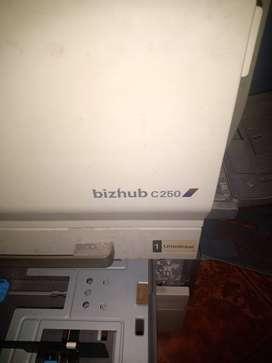 Impresora Konica Minolta bizhub c250 como  repuesto