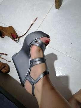 Vendo sandalias Vélez