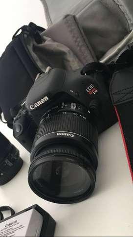 Cámara Profesional Canon EOS Rebel T3i + Lente zoom