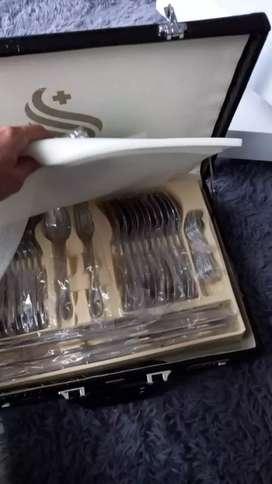 Juegos de cubiertos de 84 piezas en acero inoxidable