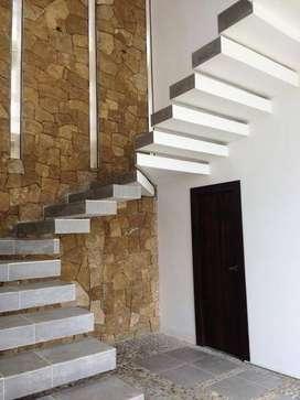 Venta Y/o Alquiler de Hermosas Casas en Zona Vip de Via Spondylus