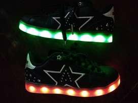 Zapatillas Addnice led USB estrella usadas.
