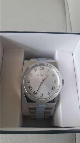 Reloj de mujer nuevo marca Michael Kors original