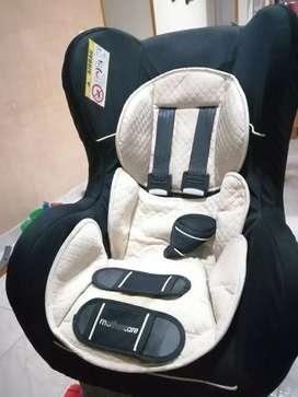 Vendo silla para niño en el carro
