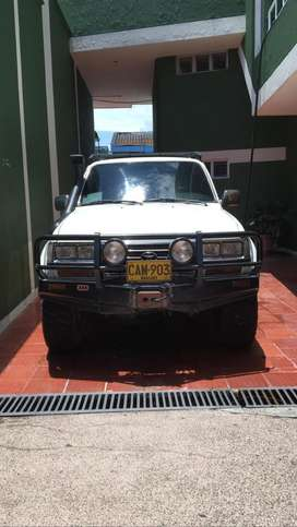 Vendo Toyota Land Cruiser