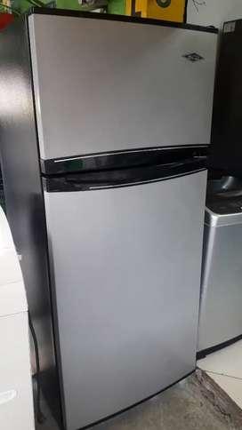 Nevera nofrost Haceb 410 litros usad en muy buen estado