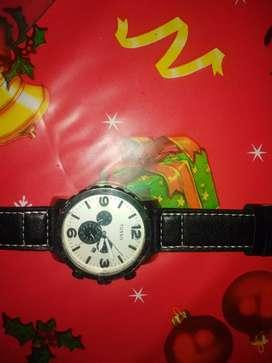 Vendo un Reloj FOSSIL original 80 no es precio fijo