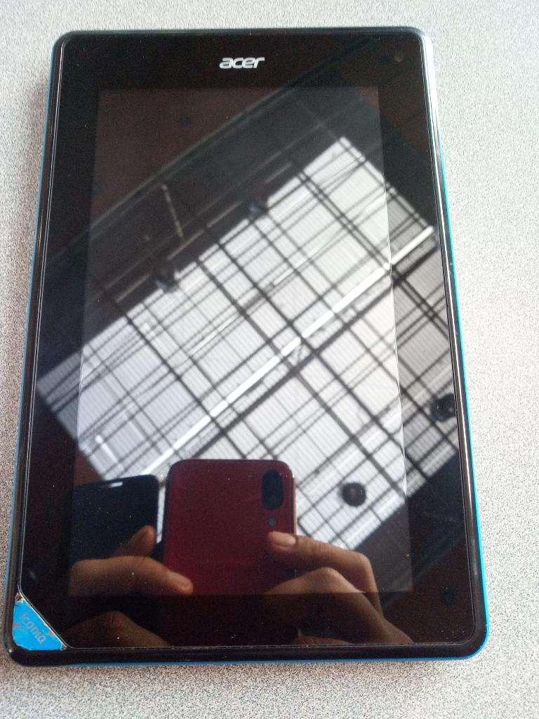 Tablet Acer Iconia B1 Usada 0