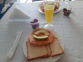 Desayunos servidos o empacados, refrigerios, almuerzos