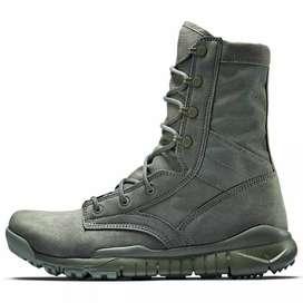 Nike Green Military Special Field Tactics Boots, talla 9.5(27.5cm), Nuevas y Originales.