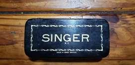 Antguos Repuestos marca singer con caja original