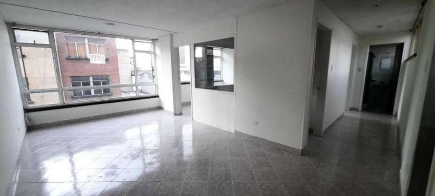 Apartamento 74 m², ubicado en el centro de Bogotá, estrato 3. (NEGOCIABLE)