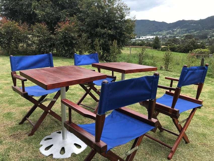 Extranjeros venden por motivo de viaje  set de mesas y sillas plegables en madera de cedro 0