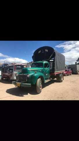 Camión Ford 47