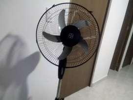 Se vende ventilador grande está  nuevo