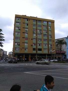 Venta de departamento ubicado en Boyaca y olmedo, frente a la caja del seguro