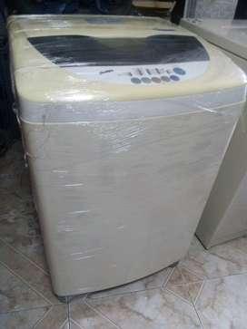Lavadora LG 25 libras en venta!
