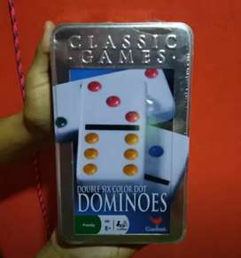 Domino familiar