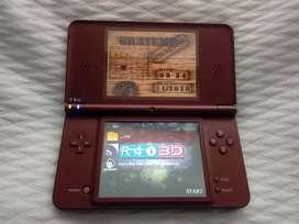 Nintendo DSI XL con R4 y 90 juegos