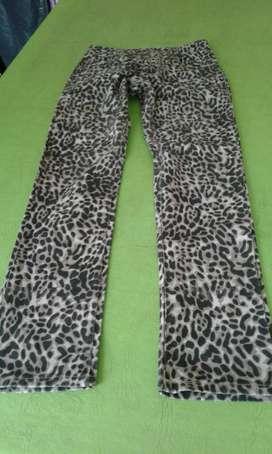 Pantalon Estilo Jeans
