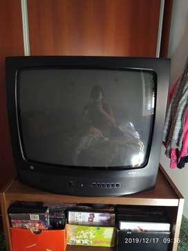 Tv con control remoto. General eléctric. Perfecto funcionamiento.