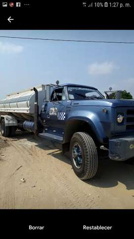 Alquiler de carro tanque