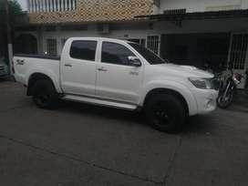 Vendo Toyota Hilux .vigo.