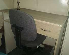 Escrito con silla