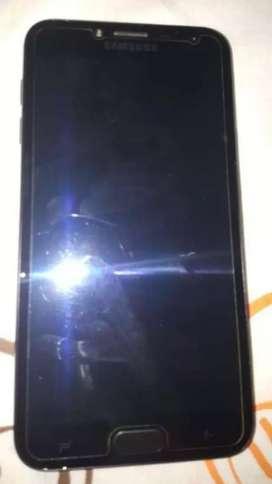 Se vende celular j4 en buen estado