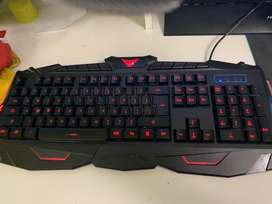 Teclado y mouse gamer UX