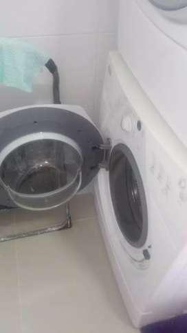 se vende torre de lavadora-secadora whirlpool
