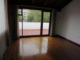 Alquiler, renta Casa sector Gonzalez Suarez, Centro Norte de Quito, Cerca de Todo, lejos del ruido