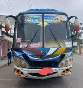 Se vende bus Hino GD 2006 en Santa Elena-Chanduy
