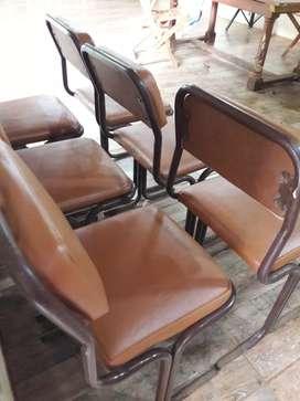 Vendo 6 sillas por 6 mil pesos