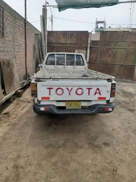 Vendo toyota high lux 2 x 4 año 94