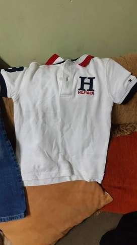 Camiseta Tommy Hilfiger para niño de 5 años Nueva