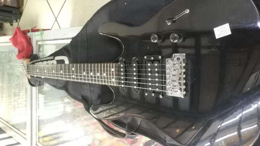 Guitarra Caliber Negra en excelente estado 0